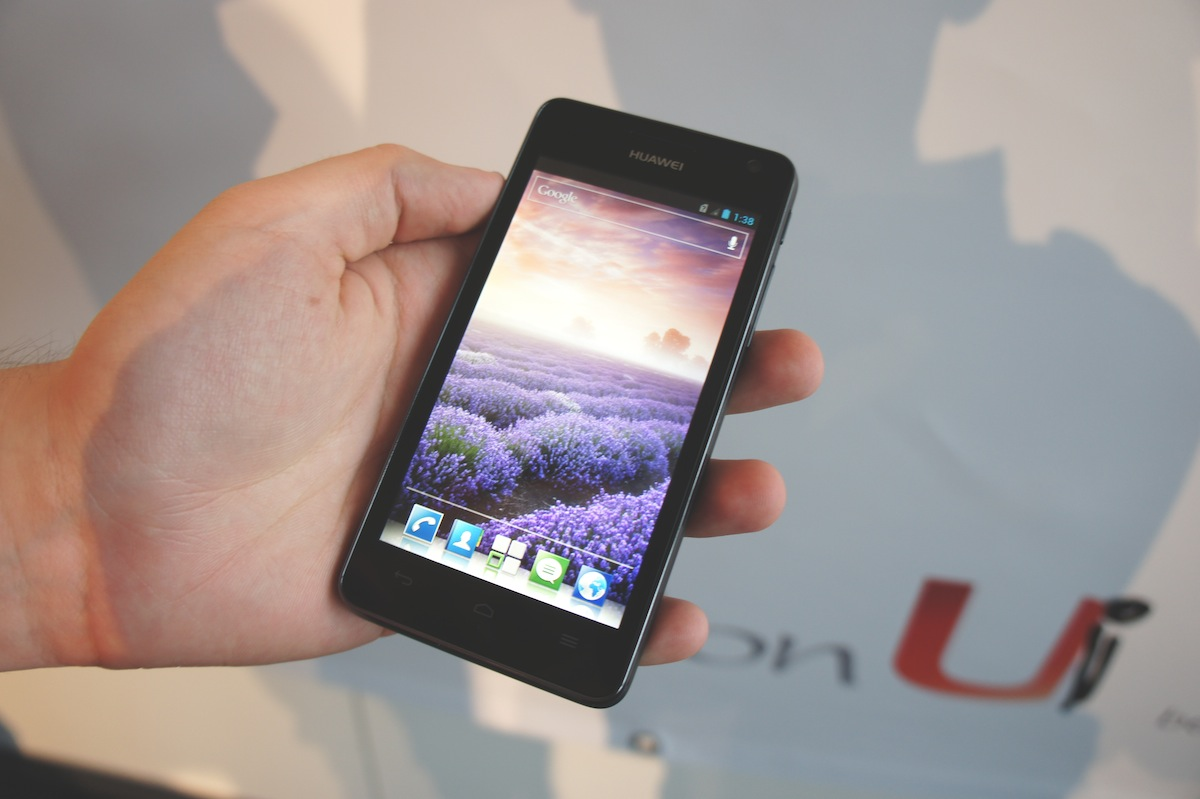 Смартфон Huawei Ascend G600