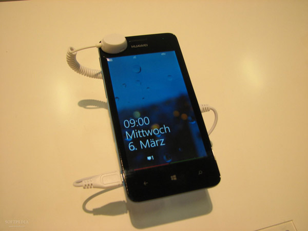 IFA-2013-Huawei-Ascend-W2-Hands-On