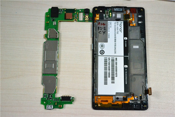 Huawei-Honor-3C-Disassembled-And-Tear-Down-image-9